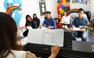 Giờ học thanh nhạc tại trung tâm EDUMESA